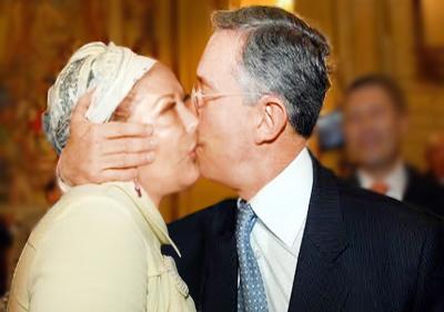 Piedad Córdoba y Álvaro Uribe Vélez se unen a la campaña UnHate de Benetton
